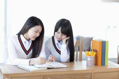 初一英语在线学习,亲测实用的初中英语单词学习方法。